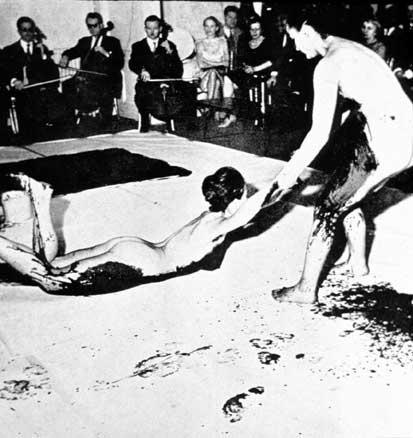 Yves-Klein-Nude-Performance